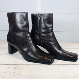 Nine West Heeled Leather Ankle Boots Size 7.5
